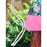Batohy - Kvetovaný zaťahovací mini batôžtek / batoh  - 10807280_
