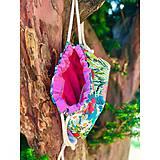 Batohy - Kvetovaný zaťahovací mini batôžtek / batoh  - 10807281_