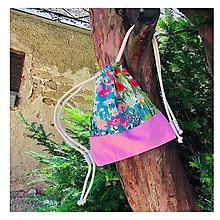 Batohy - Kvetovaný zaťahovací mini batôžtek / batoh - 10807291_