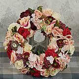Dekorácie - Romantický veniec na dvere alebo stenu - 10806879_