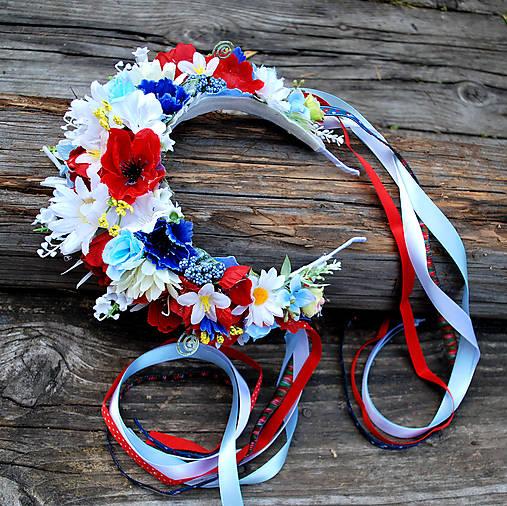 Folklórna slovenská parta z lúčnych kvetov s makmi,margarétami, konvalinkami
