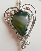 Náhrdelníky - Cínovaný prívesok srdce-achát zelený - 10810324_