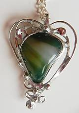 Náhrdelníky - Cínovaný prívesok srdce-achát zelený - 10810325_