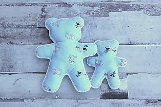 Hračky - Ručne šitý macko (Modrý s ovečkami-malý) - 10809399_