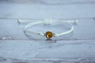 Náramky - Náramok s brúseným kameňom (Biely s oranžovým kameňom) - 10810022_