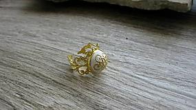 Prstene - Filigránový prsteň (biely č. 2714) - 10809778_