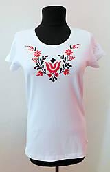 Tričká - Ručne vyšívané tričko - 10808865_