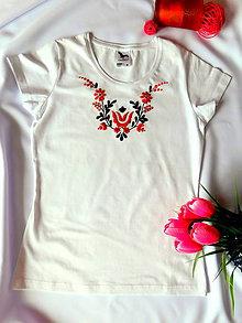 Tričká - Ručne vyšívané tričko - 10808862_
