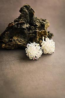 Náušnice - Svadobné korálkové náušnice visiace - 10809517_