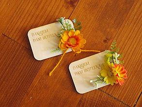 Magnetky - Kvetinová magnetka s oranžovými kvietkami a textom pre učiteľky - 10809452_