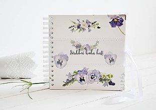 Papiernictvo - Svadobná kniha hostí - Fialky 20x20 - 10813039_