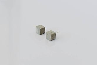 Náušnice - Betónové napichovacie náušnice GEOMETRIC - Cubes (Šedá) - 10811370_