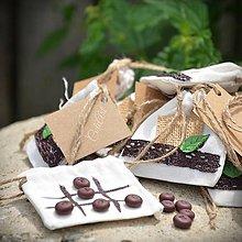 Darčeky pre svadobčanov - Piškvorky Bordeaux - darčeky pre svadobčanov,menovky - 10811480_
