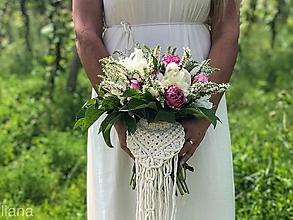 Kytice pre nevestu - Makramé ozdoba na svadobnú kyticu Irelyn - 10813352_