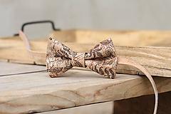 Doplnky - Korkový motýlik - 10814617_