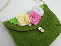 Dievčenská kabelka (s pastelovými ružičkami)