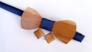 Doplnky - Pánsky drevený motýlik  + manžetové gombíky - 10815679_