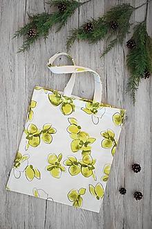 Nákupné tašky - Pevná nákupná taška (Biela s kvetmi) - 10816187_
