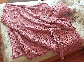 Úžitkový textil - Jemnučká a ľahká deka z priadze alize puffy fine. Jemnučká deka z priadze alize puffy fine - 10816451_