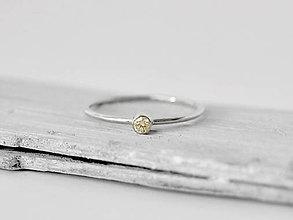 Prstene - 585/1000 zlatý zásnubný prsteň s prírodným diamantom champagne - 10818482_