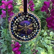 Dekorácie - Ozdoba vážka fialová no.40 - 10818738_