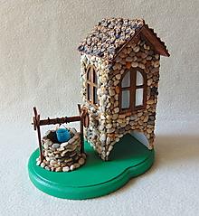 Krabičky - Chalúpka so studničkou - 10818575_