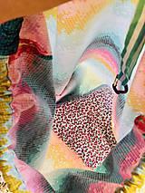 Batohy - Pestrofarebný zaťahovací kockovaný batoh / Grid - 10818002_