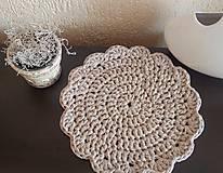 Handmade háčkované prestieranie z trikotážnej priadze