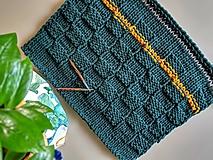 Úžitkový textil - Unikátny koberček - Forest - 10818118_