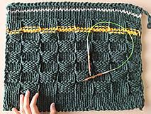 Úžitkový textil - Unikátny koberček - Forest - 10818332_