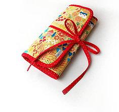 Iné tašky - Púzdro na šperky Domčeky a stromy na žltej - 10818598_