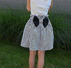 Detské oblečenie - Dievčenská sukňa Mila s mašľou - 10820084_