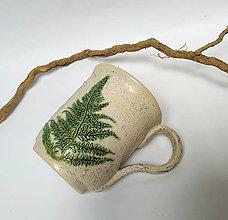 Nádoby - Keramický hrnček s papradím - 10821314_
