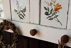Nábytok - Vidiecka vešiak-o-polica biela - 10819471_