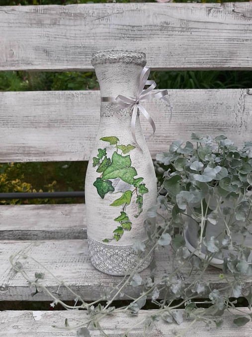 Váza brečtan