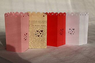 Svietidlá a sviečky - Papierový svietnik (bez dna) - srdiečkový motív (rôzne farby) - 10823151_