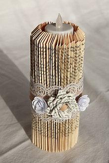 Svietidlá a sviečky - Vintage sviečka vyrobená z knihy - 10823672_
