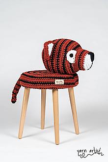 Dekorácie - Háčkovaná taburetka TIGER - 10823164_