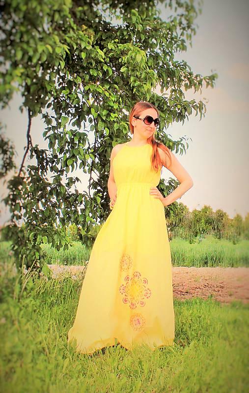 Slnečné maxi-šaty SKLADOM