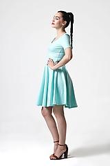 Šaty Mint s kruhovou sukňou