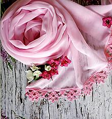 Šály - Čas růžových dnů - šifónový šál s čipkou - 10826029_