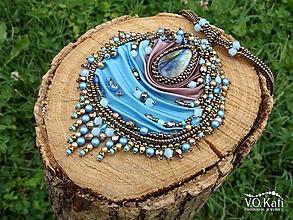 Náhrdelníky - Musette - Shibori, labradorit, bead embroidery - 10827882_