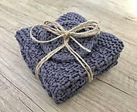 Set dvoch uteráčikov s darčekom