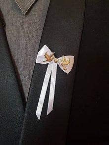 Pierka - biele pierko so zlatými holubicami a srdiečkom - 10828076_