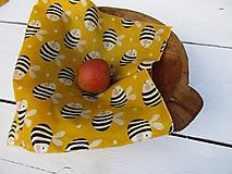 Úžitkový textil - voskovaný obrúsok-včielka - 10830162_