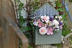 Dekorácie - Flowerbox v tvare otvorenej obálky - 10827913_