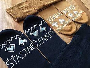 Obuv - Maľované ponožky pre novomanželov alebo k výročiu svadby folk - 10829219_
