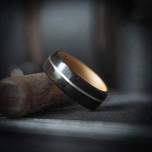 Prstene - Drevená svadobná obrúčka - eben / javor / striebro - 10831409_