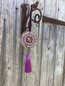 Dekorácie - Ozdoba fialový páv se zlatou no.97 - 10834690_