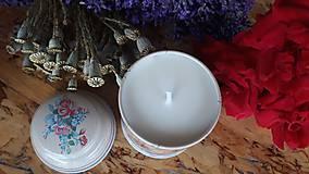 Svietidlá a sviečky - Sviečka zo sójového vosku - kvet - 10834120_